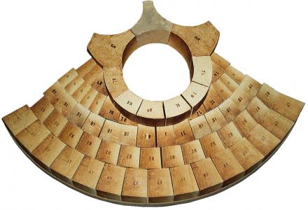 Spezialsteine für Flachkugelgewölbe mit Beschickungsöffnungen